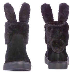 Women's black bunny boots